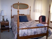 Family vacation lodging near San Antonio and New Braunfels. Up to six adults or six kids, kid friendly